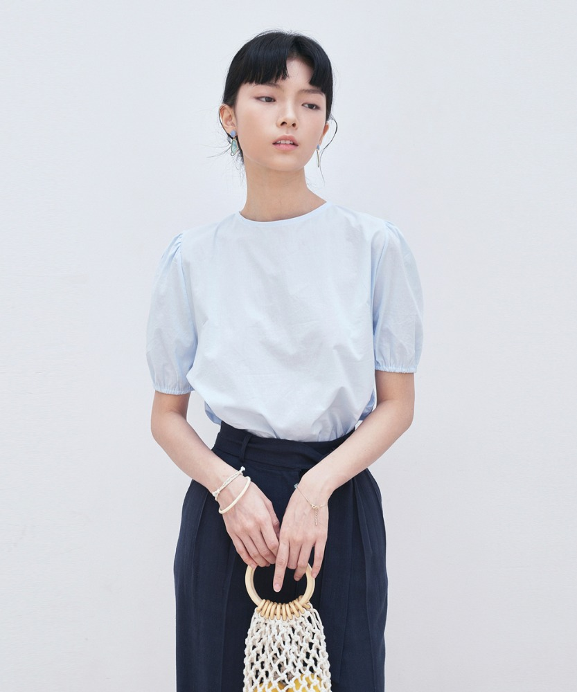 L'OEIL로에일 BACK STRAP POINT BLOUSE_SKY BLUE
